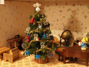 Christmas 2014 in the dollhouse